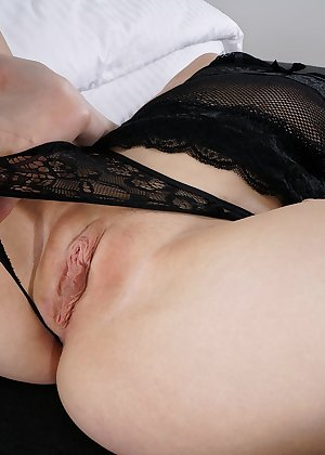 Model Hannah Hays , IntheCrack Pussy Closeup Gold collection wet black snatch #5