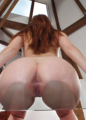Model Denisa Heaven , IntheCrack Pussy Closeup Gold collection www inthecrack com