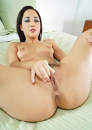 Model Amara Romani , IntheCrack Pussy Closeup Gold collection shaved vagina picture #8